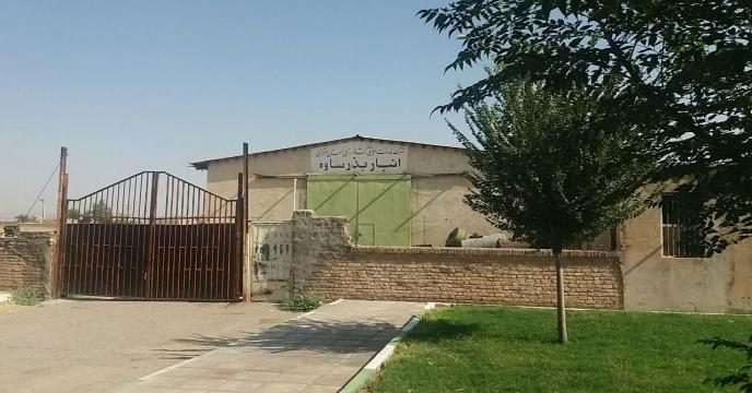 ارسال و توزیع کود ه اوره توسط کارگزاربخش خصوصی در شهرستان زرندیه ساوه